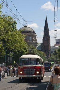 Bussene går på strøm og er gammeldagse, men miljøvennlige.