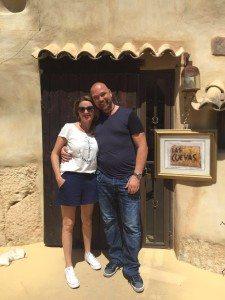 Robert Johansen og kona Irina Trochina har vært forelsket i Las Cuevas siden første gang de besøkte restauranten.