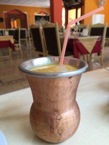Et forfriskende glass med mango-lassi er aldeles ikke å forakte i sommervarmen.