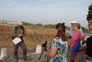 Det er mer enn 200 ulike fuglearter i La Mata-parken i løpet av et år, viser eksperten Fran Lucha.