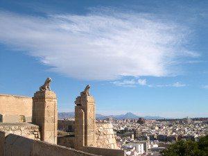 puertas_del_castillo_de_san_fernando_alicante_espan%cc%83aweb