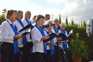 Cantamos har hatt et travelt program i november måned og opptrådte blant annet under julemarkedet til Kirkesenteret i Albir.